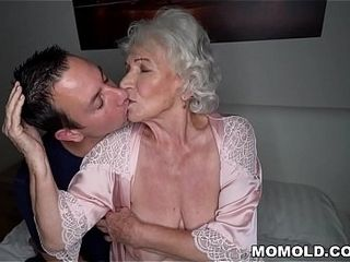 Be quiet, my husband&#039_s sleeping! - Best granny porn ever!