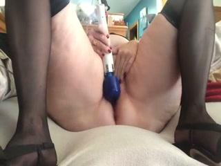 BBW mature white lady on webcam masturbating with toys