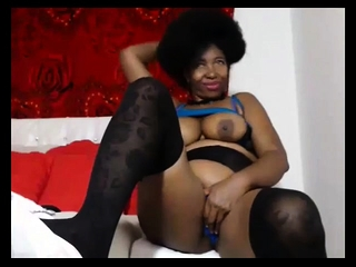 Big ass mature ebony masturbate