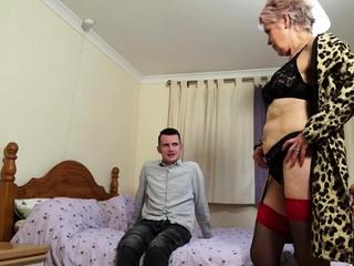 British mature slut lady sextasy doing her toyboy