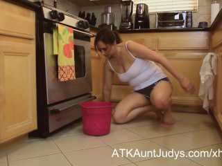 Mature 46 year old mother alesia pleasure cleans up the floor