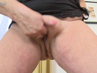 Spunky granny with huge saggy tits and her old slit