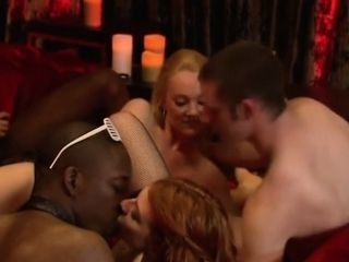 Swinger nights with hot amateur couples