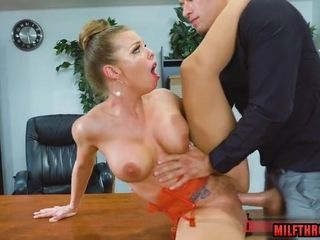 Glamour housewife hard sex