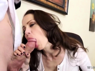 cougar With Giant Boobs Fucked In The Office