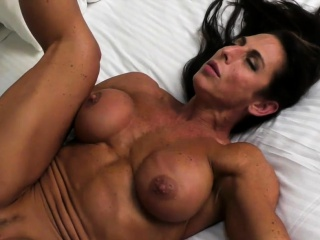 Naked Female Bodybuilder Briana Fucks Her Boyfriend