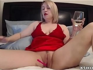 Mature Hot Mom Masturbation On Cam