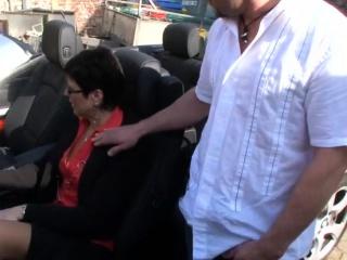 Man rides mature mom on the car