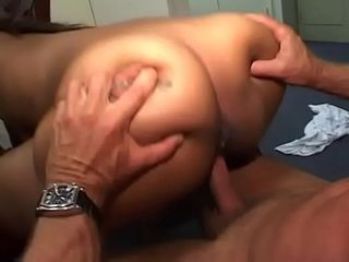 Two black whores suck and ride on white stud&#039_s dick before sharing his jizz