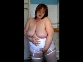 Hot mature amateur in stockings