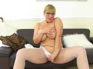 Hot Mature Likes To Show Off Her Pussy