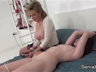 Unfaithful uk mature lady sonia pops out her giant jugs